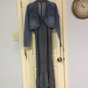 Guess size M short denim jacket with snap closure